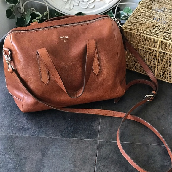 Fossil Handbags - Vintage Sydney Fossil Crossbody